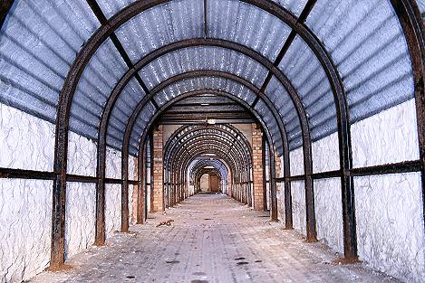 shelter tunnel